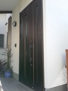 久保田玄関ドア完成